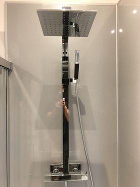 Salle de bains moderne MONTEUX 84 - Salle d\'O