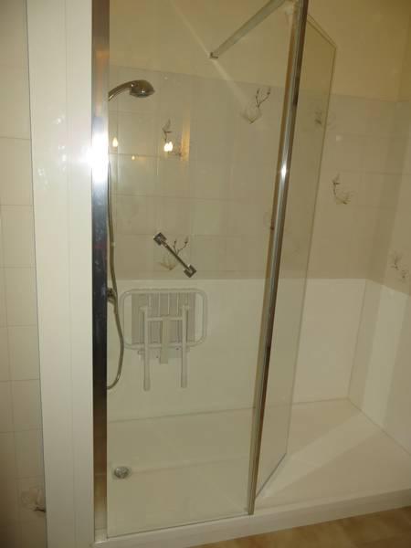 salle de bains marseille prado 13 salle d 39 o. Black Bedroom Furniture Sets. Home Design Ideas