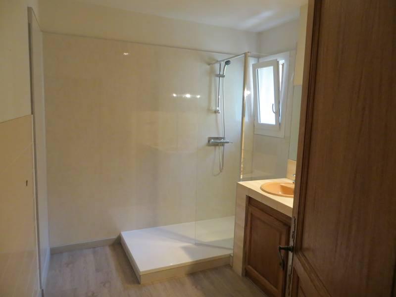 r novation compl te de salle de bains cavaillon 84 salle d 39 o. Black Bedroom Furniture Sets. Home Design Ideas