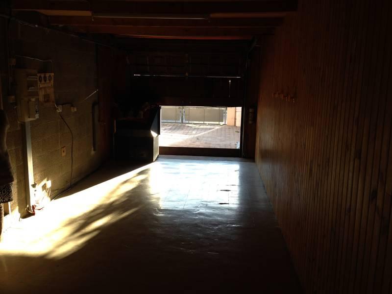 salle de bains et chambre dans un garage gigondas salle d 39 o. Black Bedroom Furniture Sets. Home Design Ideas