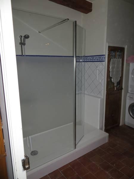 remplacement de baignoire par un espace douche s curis. Black Bedroom Furniture Sets. Home Design Ideas